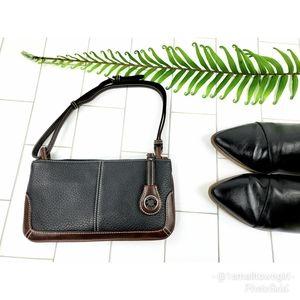 Dooney & Bourke vintage mini shoulder pack black